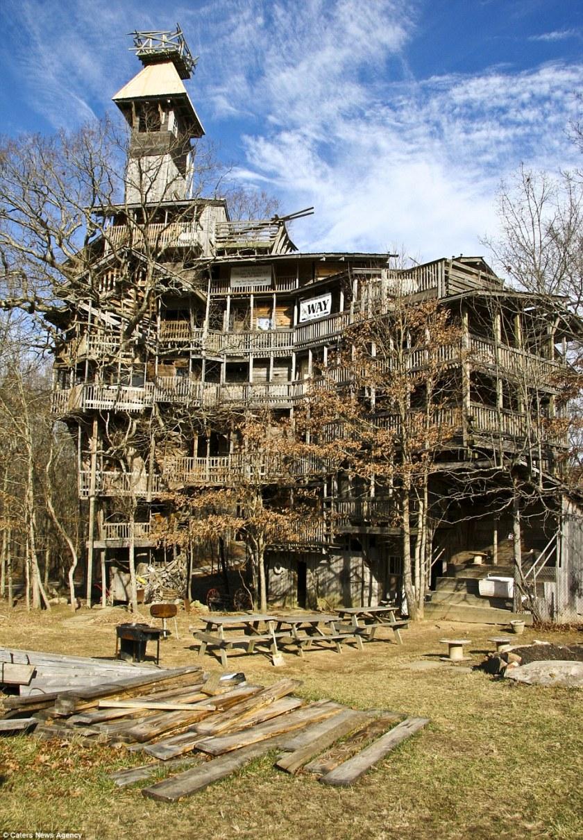 'Tree House with Ten Storey'