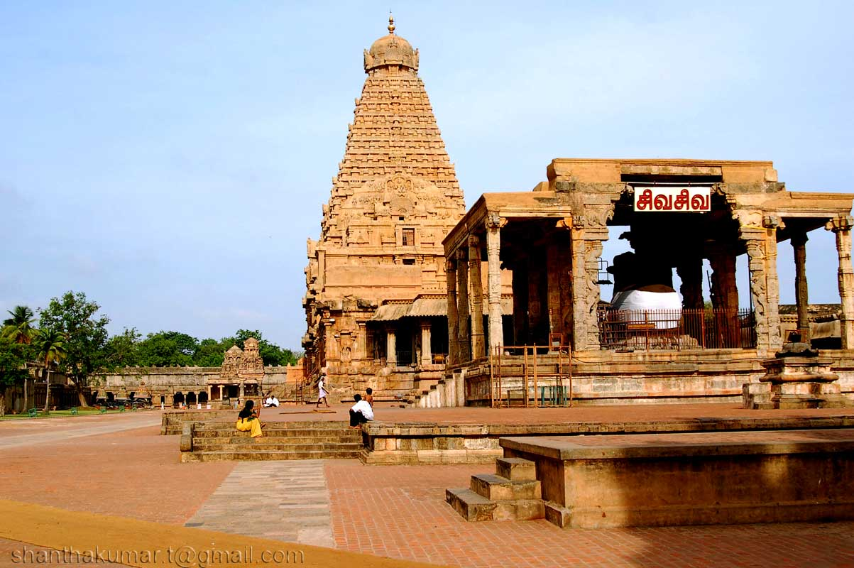 Ancient French Chinese Kings In Thanjavur Big Temple Ramanis Blog