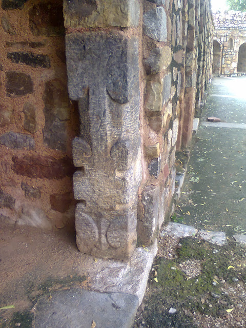 Humayun Tomb from Hindu Temple.jpg