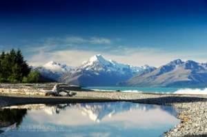 Lake Pukaki reflects Mt.Cook.jpg
