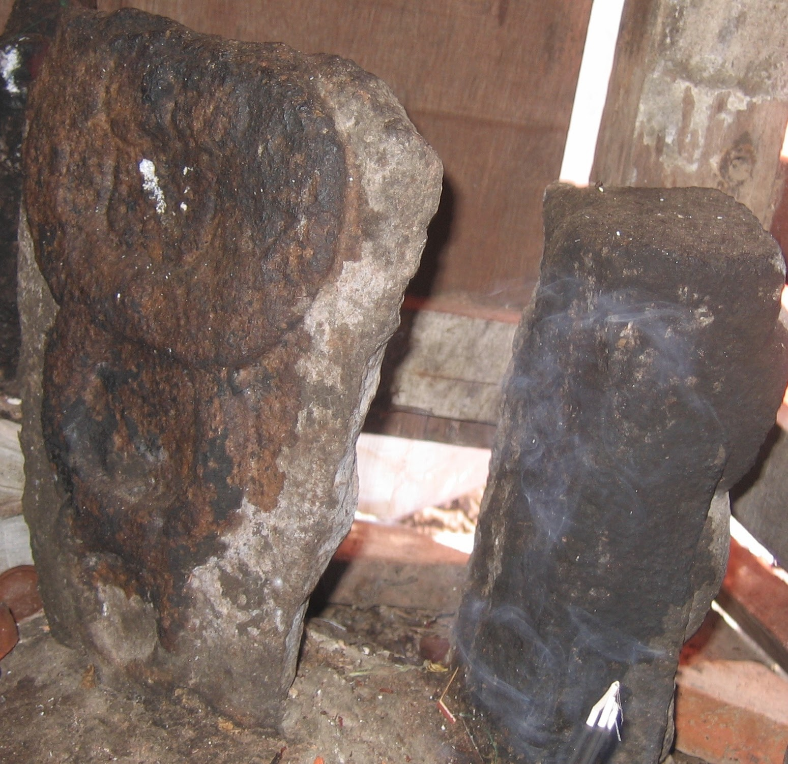 Rahu and Ketu in Amirthanarayana Perumal Temple,Thirukadavur.image,jpg