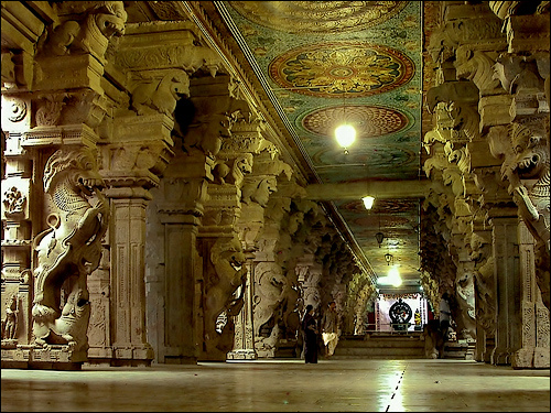 Thousand Pillar Hall, Madurai.jpg