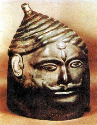 Vasishta's head, copper idol found in Delhi