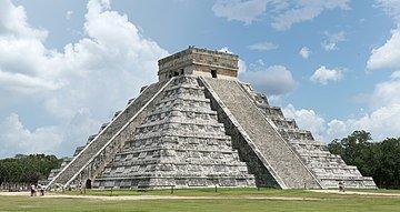 Temple of Kukulcan ( El Castillo).image